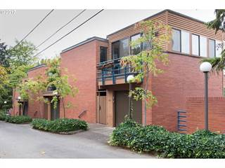 Condo for sale in 106 HIGH ST, Eugene, OR, 97401