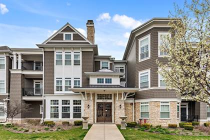 Residential for sale in 7 East Kennedy Lane 302, Hinsdale, IL, 60521