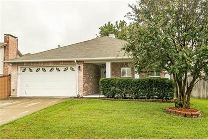 Residential for sale in 2212 Delaford Drive, Arlington, TX, 76002