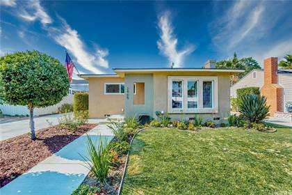 Residential for sale in 2465 Pepperwood Avenue, Long Beach, CA, 90815