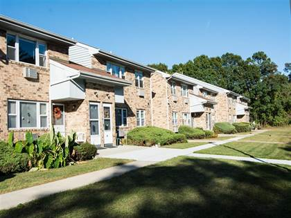 Apartment for rent in Brookwood at Oakdale, Oakdale, NY, 11769