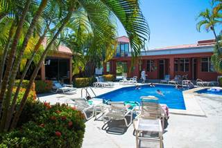 Comm/Ind for sale in Jaco Beach downtown 11 room hotel, Jaco, Puntarenas