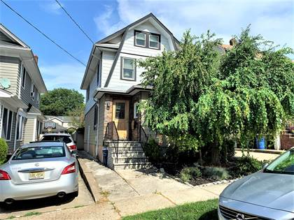 Residential Property for sale in 555 Metropolitan Avenue, Staten Island, NY, 10301