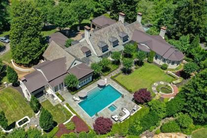 Residential Property for sale in 590 Old Cobblestone Drive, Sandy Springs, GA, 30350