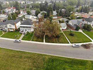 Single Family for sale in 8953 STRATHEARN DR NW, Edmonton, Alberta