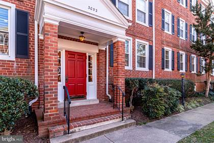 Condominium for sale in 3052 S BUCHANAN ST #A1, Arlington, VA, 22206