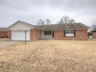 Single Family for sale in 10722 E 26th Place, Tulsa, OK, 74129