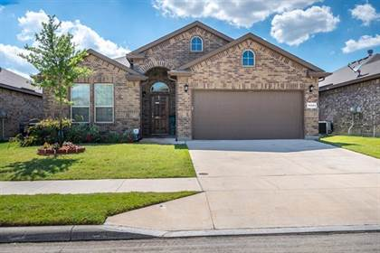Residential for sale in 11321 Gold Canyon Drive, Fort Worth, TX, 76052