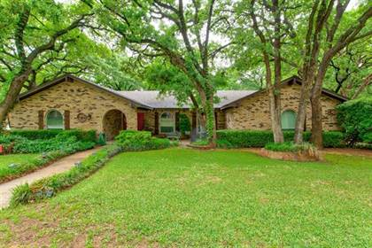 Residential for sale in 2208 Valleydale Drive, Arlington, TX, 76013