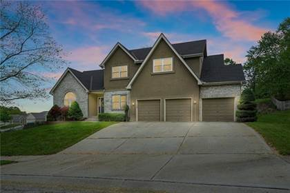 Residential Property for sale in 208 Camelot Drive, Liberty, MO, 64068