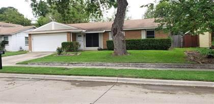 Residential for sale in 2511 Gilbert Circle, Arlington, TX, 76010
