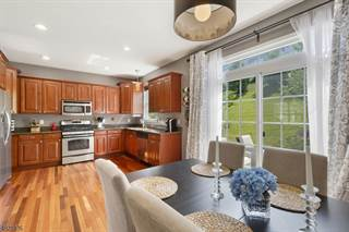 Townhouse for sale in 54 INDIGO RD, Panther Valley, NJ, 07840