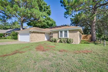 Residential Property for sale in 5605 Valley Meadow Drive, Arlington, TX, 76016