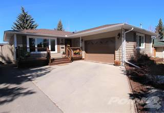 Residential for sale in 734 Oakhill Place SW, Calgary, Alberta, T2V 3X9