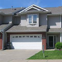 Townhouse for sale in 1545 Mckinley Pl, Iowa City, IA, 52246