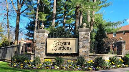 Residential Property for sale in 4 Bryant Crescent 2-J, White Plains, NY, 10605