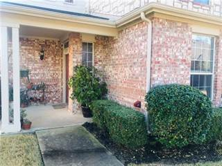 Townhouse for sale in 2733 Olympic Park Drive, Grand Prairie, TX, 75050