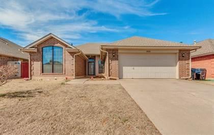Residential for sale in 8225 W Wilshire Ridge Drive, Oklahoma City, OK, 73132