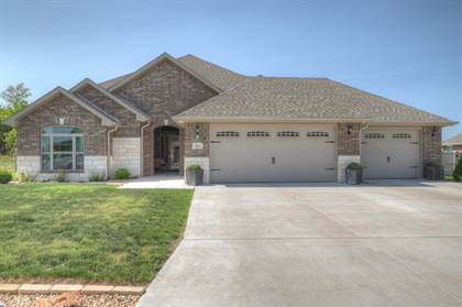 Residential Property for sale in 812 Blackthorn Drive, Carl Junction, MO, 64834