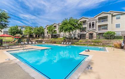 Apartment for rent in 3303 Southern Oaks Blvd, Dallas, TX, 75216