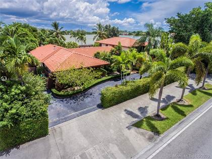 Residential Property for sale in 7421 Miller Dr, Miami, FL, 33155