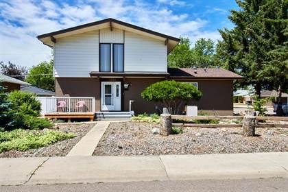 Residential Property for sale in 1598 11 Avenue NE, Medicine Hat, Alberta, T1A 6G8