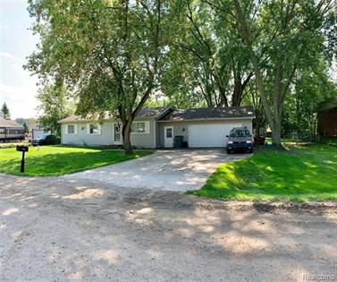 Residential Property for sale in 9964 Mevis Drive, Brighton, MI, 48114