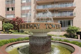 Condo for sale in 4545 Wornall Road 901, Kansas City, MO, 64111
