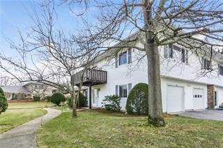 Single Family for sale in 724 Manomet Court, Warwick, RI, 02886