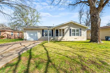 Residential for sale in 6817 Greenlee Street, Fort Worth, TX, 76112