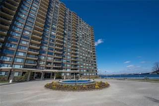 Co-op for sale in 166-25 Powells Cove Blv 8G, Queens, NY, 11357
