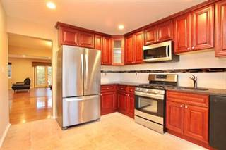 Townhouse for sale in 1704 Merrywood Drive, Edison, NJ, 08817