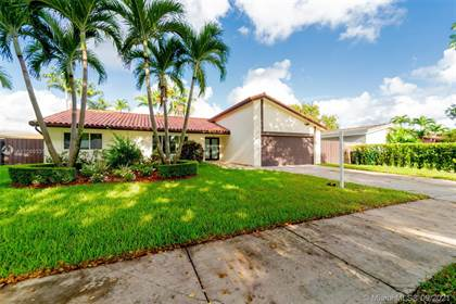 Residential for sale in 10930 SW 138th Ave, Miami, FL, 33186