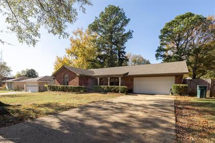 Residential Property for sale in 8303 E Farmington Drive, Southaven, MS, 38671