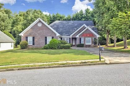 Residential for sale in 585 Georgian Hills Dr, Lawrenceville, GA, 30045