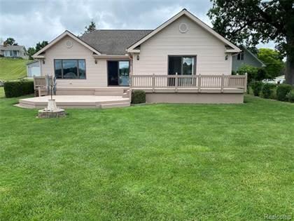 Residential for sale in 10516 RUNYAN LAKE Road, Fenton, MI, 48430