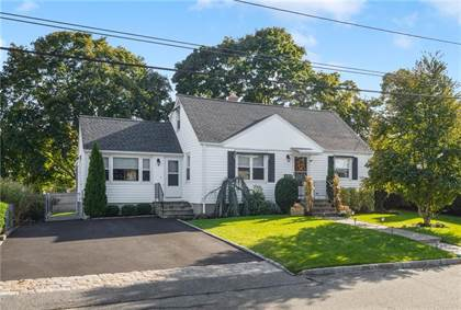Residential Property for sale in 52 Chiswick Road, Warwick, RI, 02889