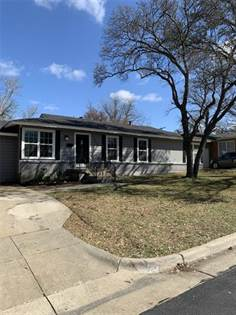Residential for sale in 3400 BINYON Avenue, Fort Worth, TX, 76133