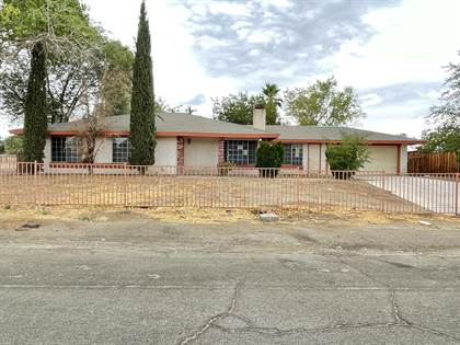 Residential for sale in 37105 94th Street, Sun Village, CA, 93543