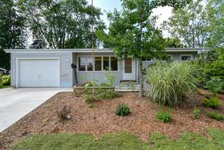 Single Family for sale in 5613 Bentwood LN, Greendale, WI, 53129