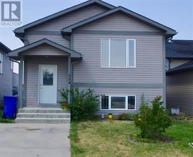 Single Family for sale in 754 Blackfoot Terrace W, Lethbridge, Alberta, T1K7W4