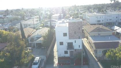 Multifamily for sale in 2208 Hauser, Los Angeles, CA, 90016