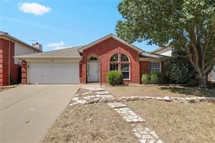 Residential for sale in 4215 Bent Oaks Drive, Arlington, TX, 76001
