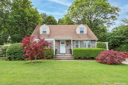 Residential Property for sale in 180 Parkway Drive, Westbury, NY, 11590
