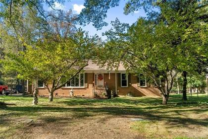 Residential for sale in 8139 Cliffside Drive, Charlotte, NC, 28270