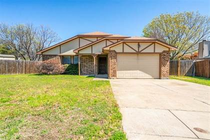 Residential for sale in 9005 Gainsborough Court, Fort Worth, TX, 76134