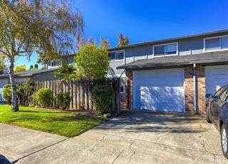 Townhouse for sale in 1735 Montana Vista Street, Lakeport, CA, 95453