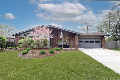 Residential Property for sale in 6 Nicolet Drive, Manchester, MO, 63011