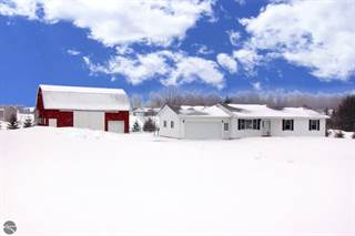 Single Family for sale in 452 S 4 Mile Road, Greater Traverse City, MI, 49686