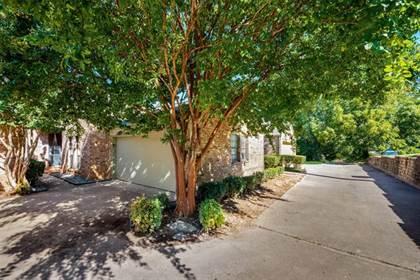 Residential for sale in 622 Crowley Road, Arlington, TX, 76012